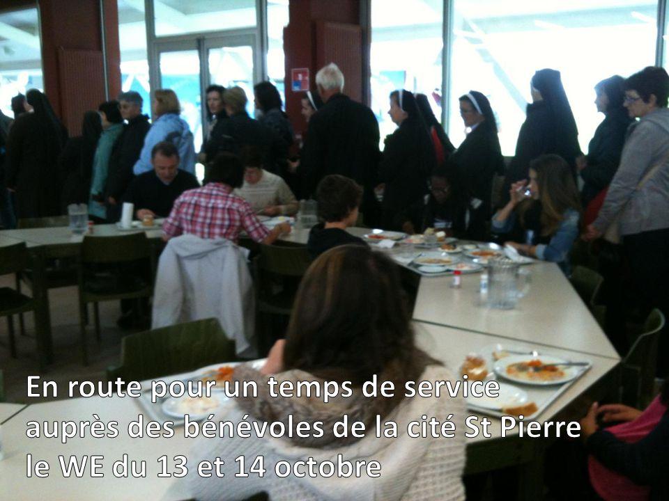 Nous sommes des collégiens de 3èmes des aumôneries de l'enseignement public du doyenné Pau-ville.