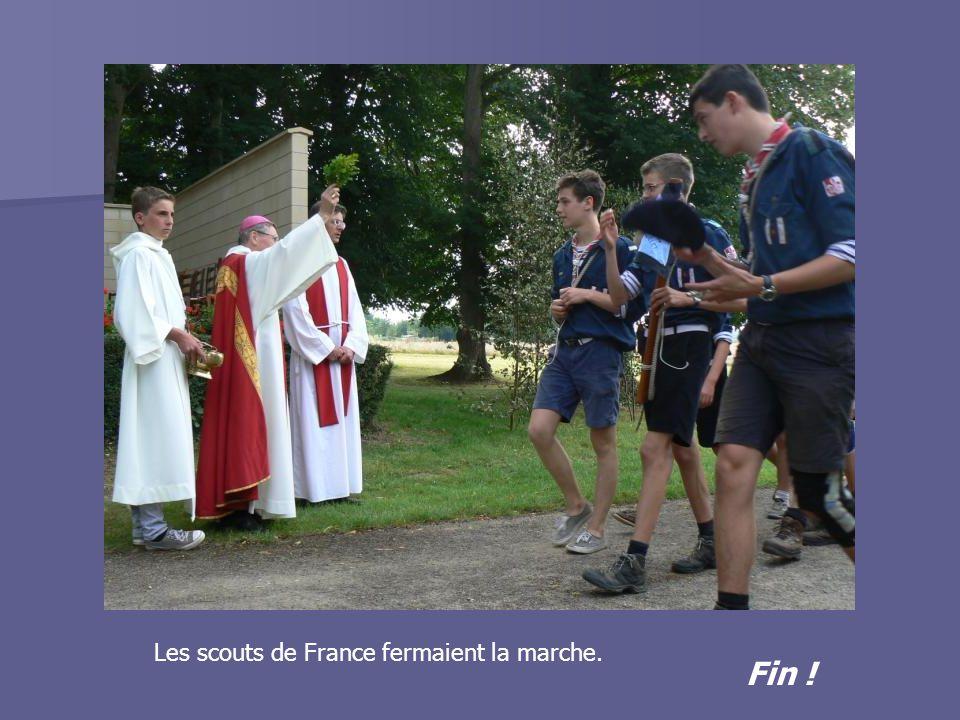 Fin ! Les scouts de France fermaient la marche.