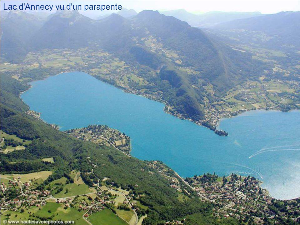 Lac d Annecy vu d un parapente