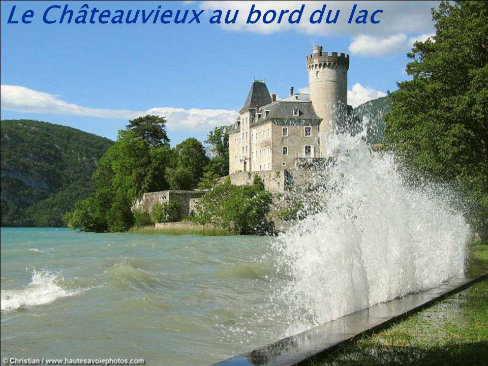 Le Châteauvieux au bord du lac
