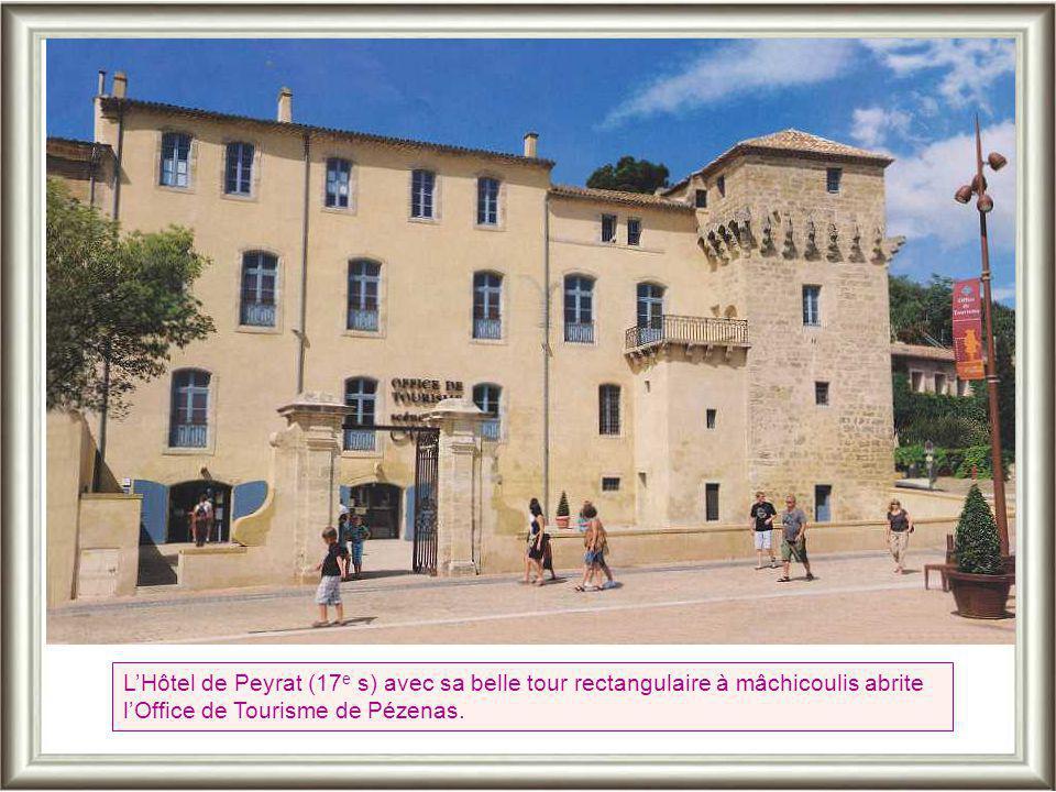 Dans la ville médiévale, la porte du Ghetto rappelle que les juifs « étaient différents » Place Gambetta, la fontaine abreuvoir de l'ancien Hôtel de V