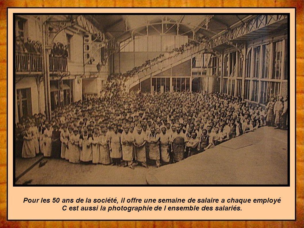 Pour les 50 ans de la société, il offre une semaine de salaire a chaque employé C est aussi la photographie de l ensemble des salariés.