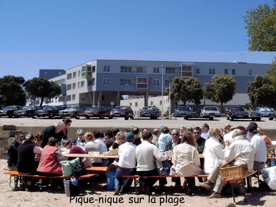 Saint-Nazaire, un des plus anciens chantiers navals d'Europe, s'etend sur plus de 100 hectares en bordure de Loire. La construction navale est implant