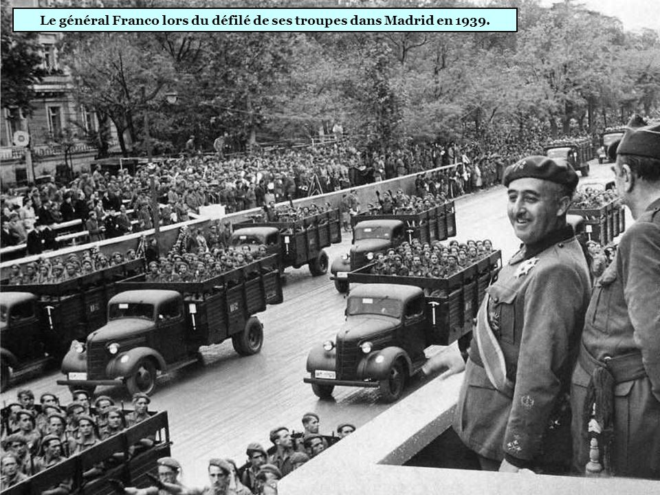 Francisco Franco (1892-1975) « Le Caudillo » instaure un régime dictatorial et un parti unique. Massacres pendant la guerre civile, violation des droi