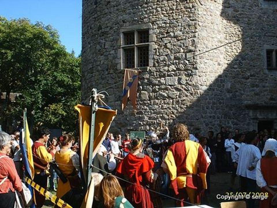 Le château de la chèze (Le Cheylard) Créateur serge Photos personnelle et du net Musique bretonne gwendal