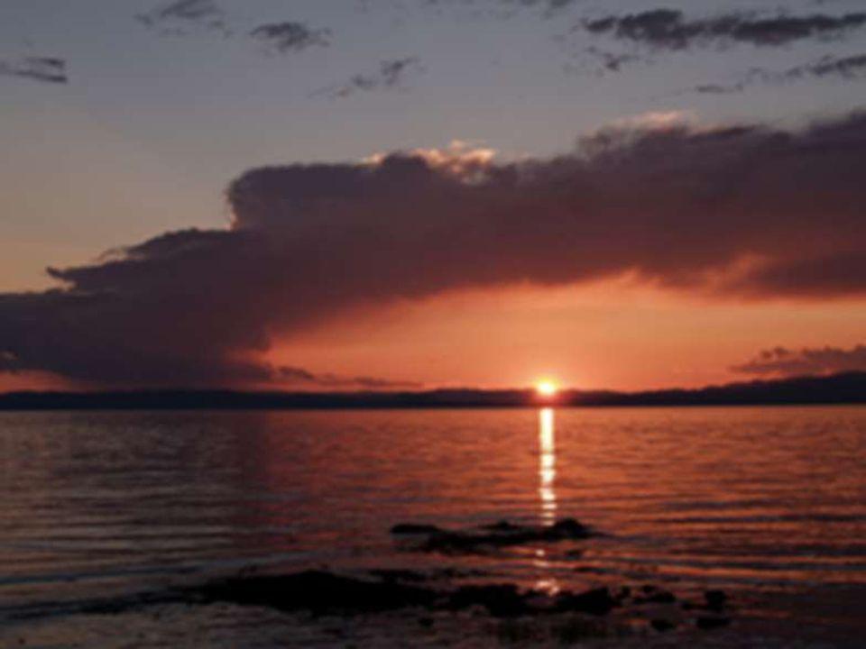 Le site publie le coucher de soleil du jour tel que Dame Nature nous l'offre.