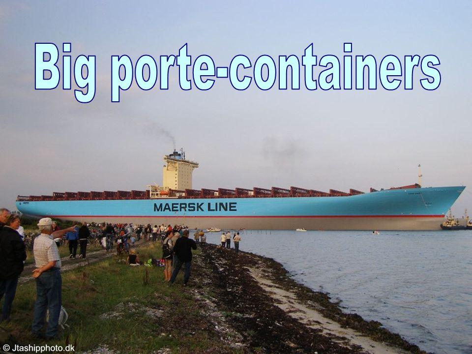 Plus grand que le porte-avions américain carrier qui utilise 5,000 hommes et officiers Peut contenir 15,000 containers.