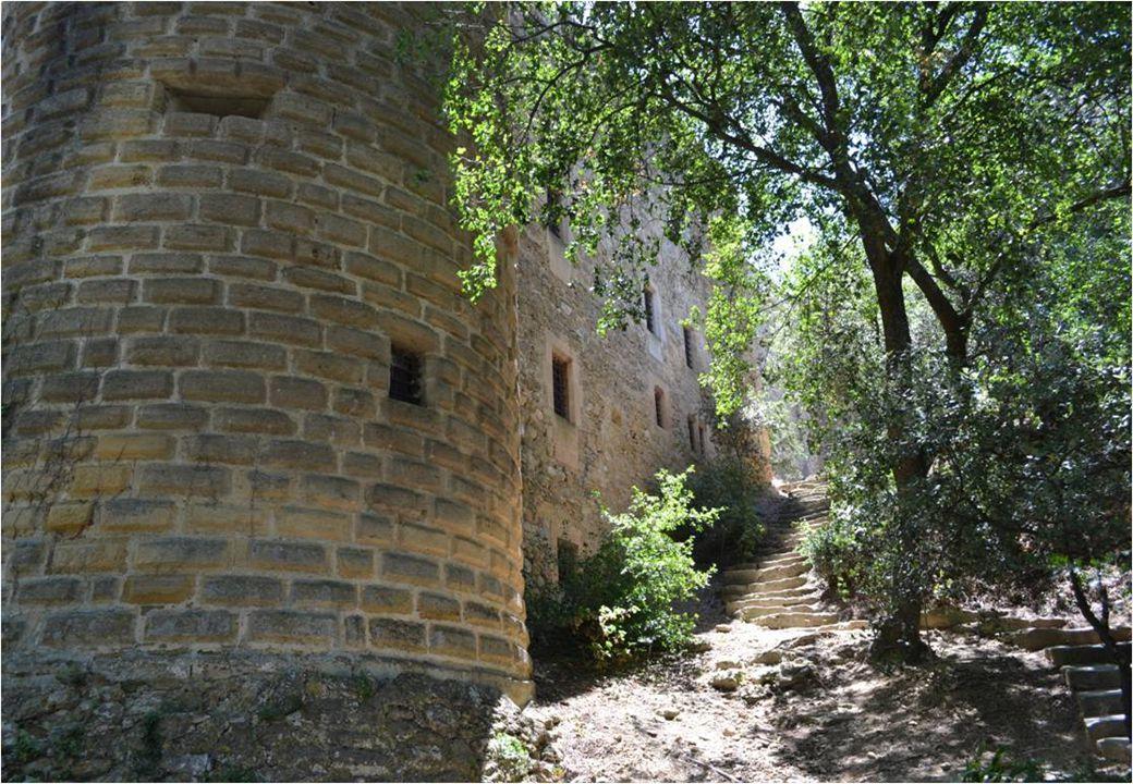 Le donjon, vu du dernier étage du château.