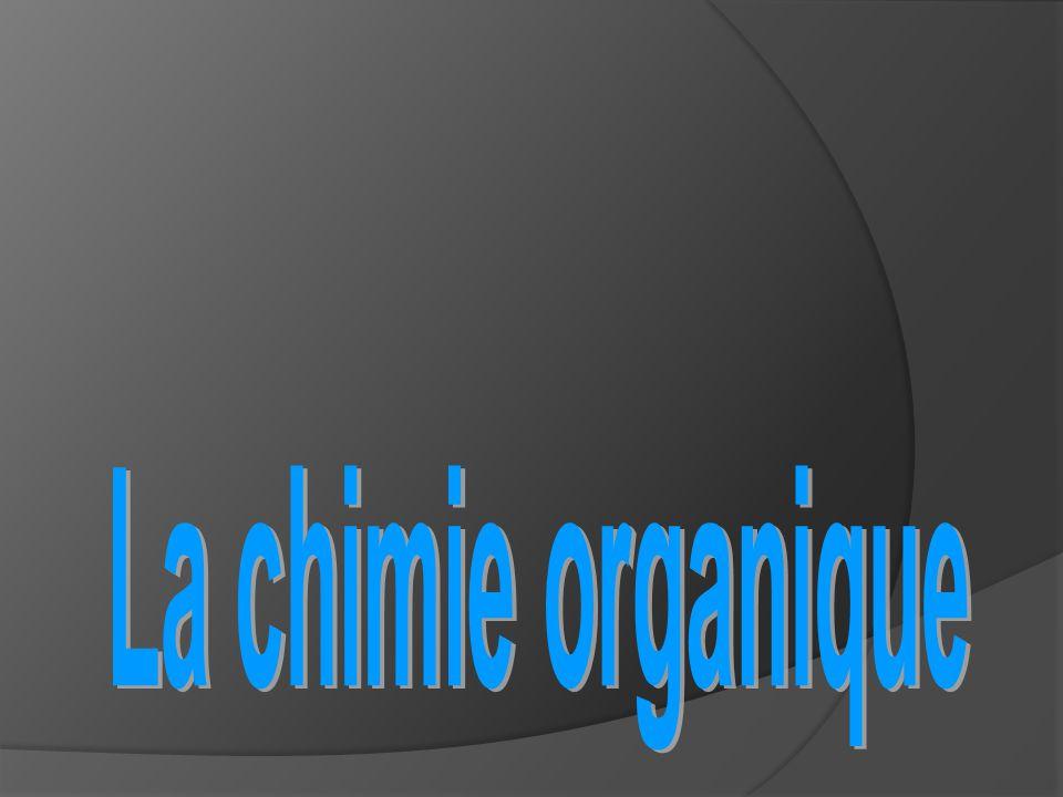 Les hydrocarbures  des composés organiques simples  formés d'atomes de carbone et d'hydrogène seulement.