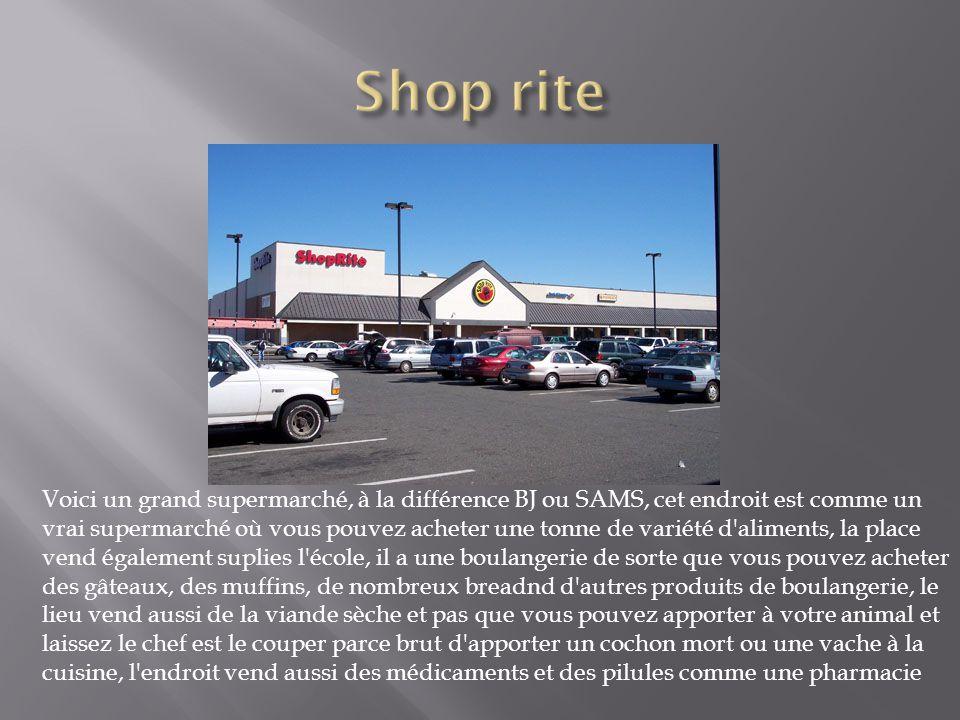 Voici un grand supermarché, à la différence BJ ou SAMS, cet endroit est comme un vrai supermarché où vous pouvez acheter une tonne de variété d'alimen