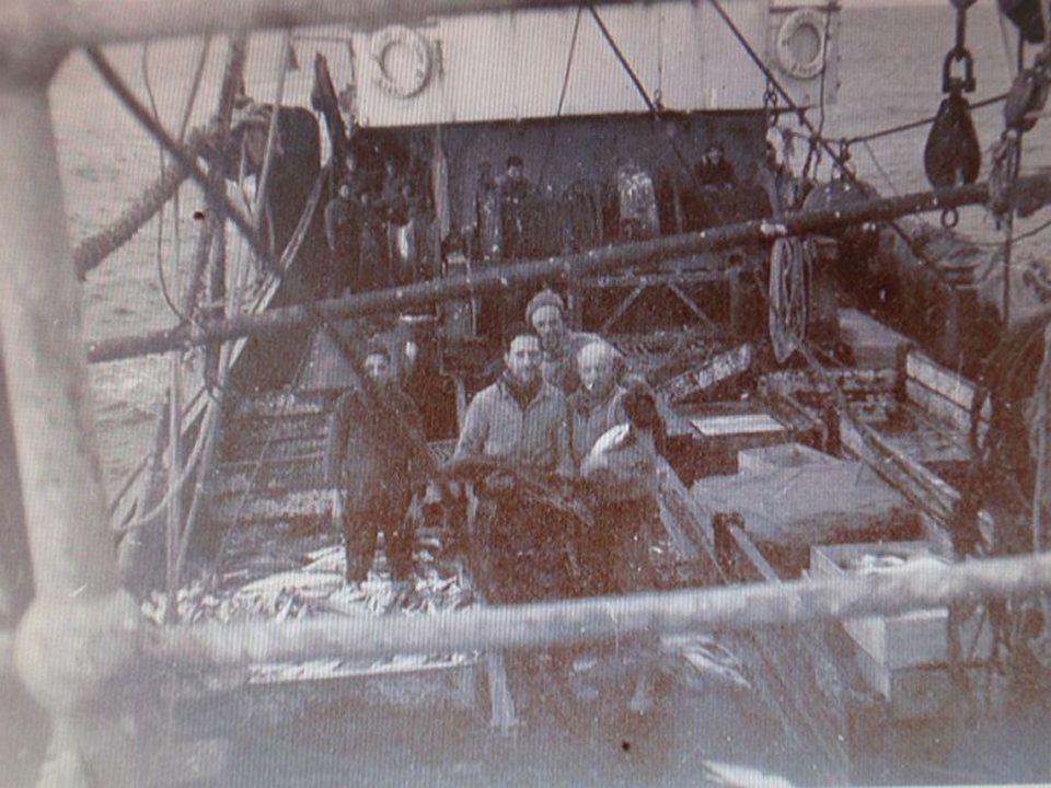 """Quelques hommes de l'équipage du """"NICOLAS APPERT"""" (B.2755) 1957"""