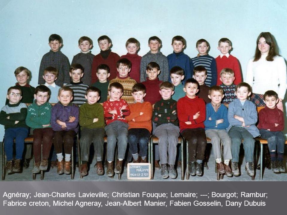 à l'école des garçons de gauche à droite en haut Jojo MANIER, Pierre AGNERAY, Joseph BLONDIN