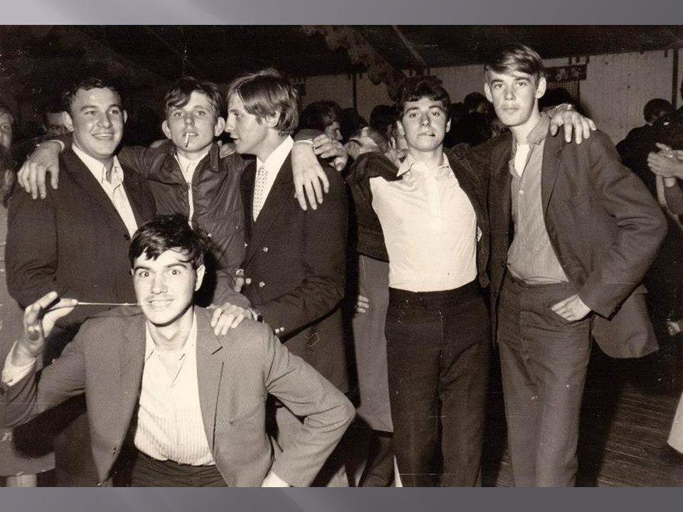à l école des garçons de gauche à droite en haut Jojo MANIER, Pierre AGNERAY, Joseph BLONDIN