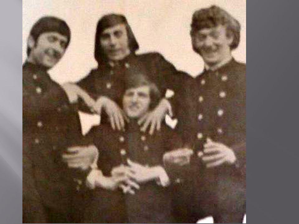 C'était un groupe de jeune du pays. Dans les années 70. Ils jouaient au parc de la marine ou au dancing de la pépinière mais aussi dans tous les petit