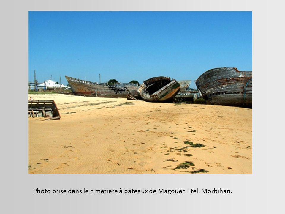 Navire échoué sur un banc de sable à proximité d El Jadida, au Maroc.