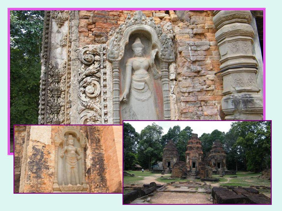 Préah ko ou temple du Taureau sacré 9ème siècle Jayavarman II Roi-dieu Vishnou Shiva