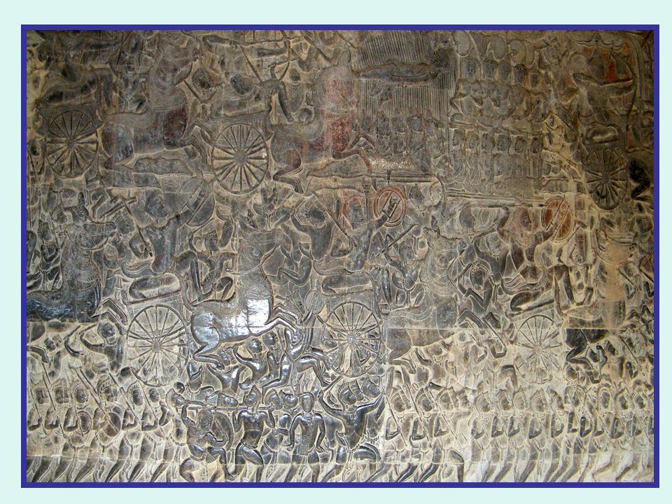 La galerie est un extraordinaire livre d'images de 600 m de long-ce bas relief mesure 94m
