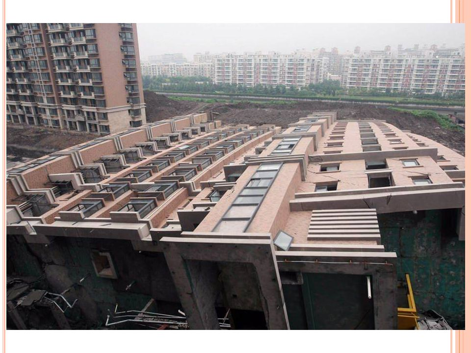 Ils ont construit 13 étages directement sur le sol, sans fondations, juste plantés à l aide de piliers creux sans béton armé.