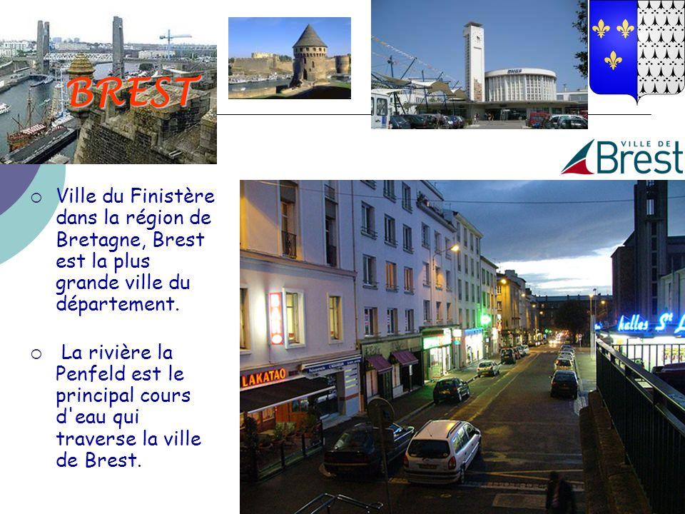 BREST  Ville du Finistère dans la région de Bretagne, Brest est la plus grande ville du département.  La rivière la Penfeld est le principal cours d