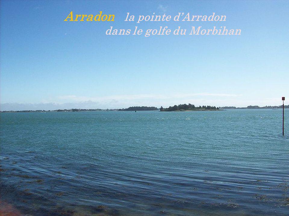 Arradon la pointe d'Arradon. dans le golfe du Morbihan