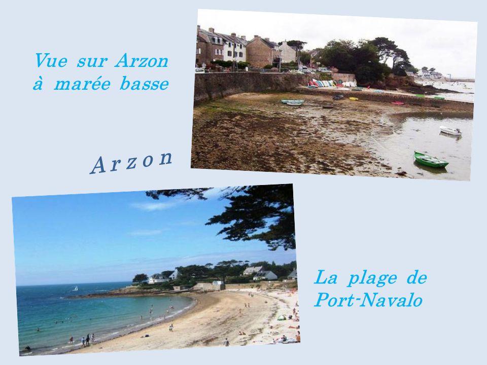 Vue sur Arzon à marée basse La plage de Port-Navalo A r z o n