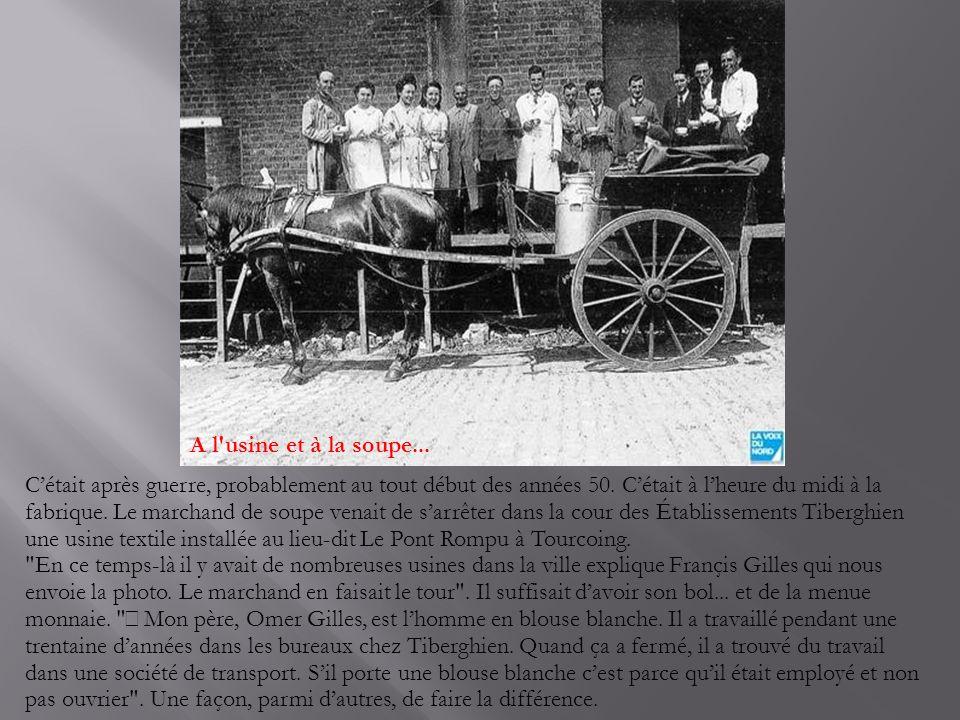 Facteurs en tenue -et en famille- en 1919 La photo publiée aujourd'hui date de 1919 et témoigne de la tenue des facteurs alors.