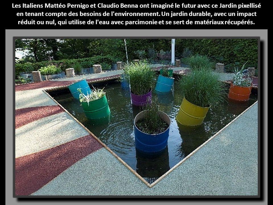 Les Italiens Mattéo Pernigo et Claudio Benna ont imaginé le futur avec ce Jardin pixellisé en tenant compte des besoins de l environnement.