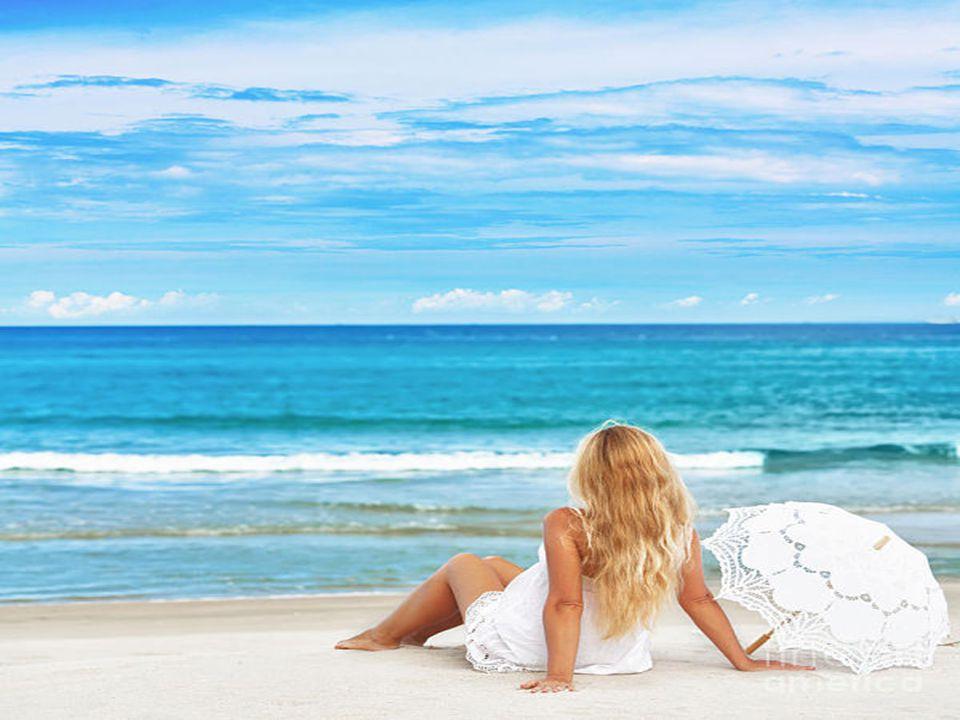 Quand vient la fin de l'ete sur la plage Il faut alors s'en aller les vacances ont duré Emportant la tendresse de nos baisers