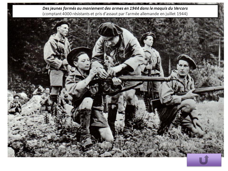 Des jeunes formés au maniement des armes en 1944 dans le maquis du Vercors (comptant 4000 résistants et pris d'assaut par l'armée allemande en juillet