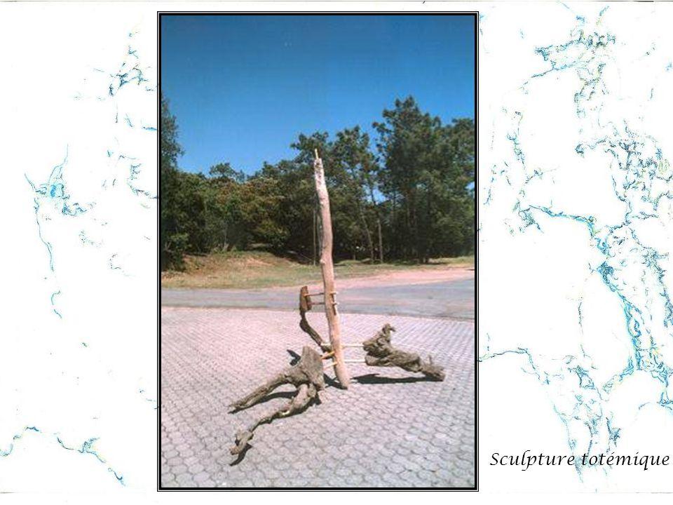 Sculpture totémique