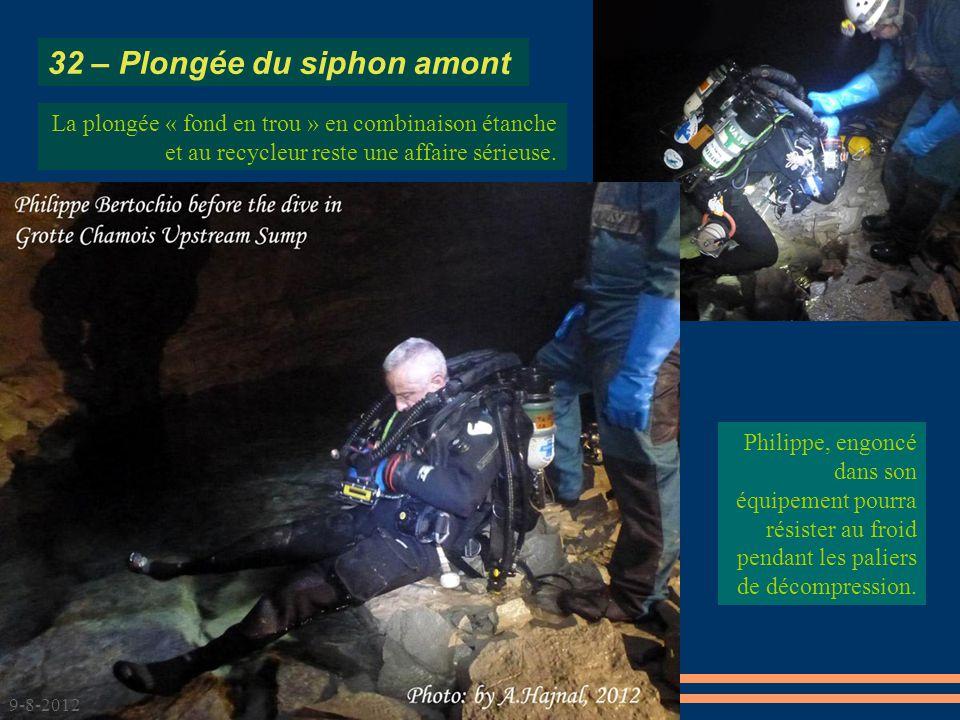 Philippe, engoncé dans son équipement pourra résister au froid pendant les paliers de décompression.