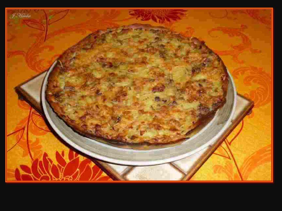 La tarte à l'andouillette et aux pommes de terre