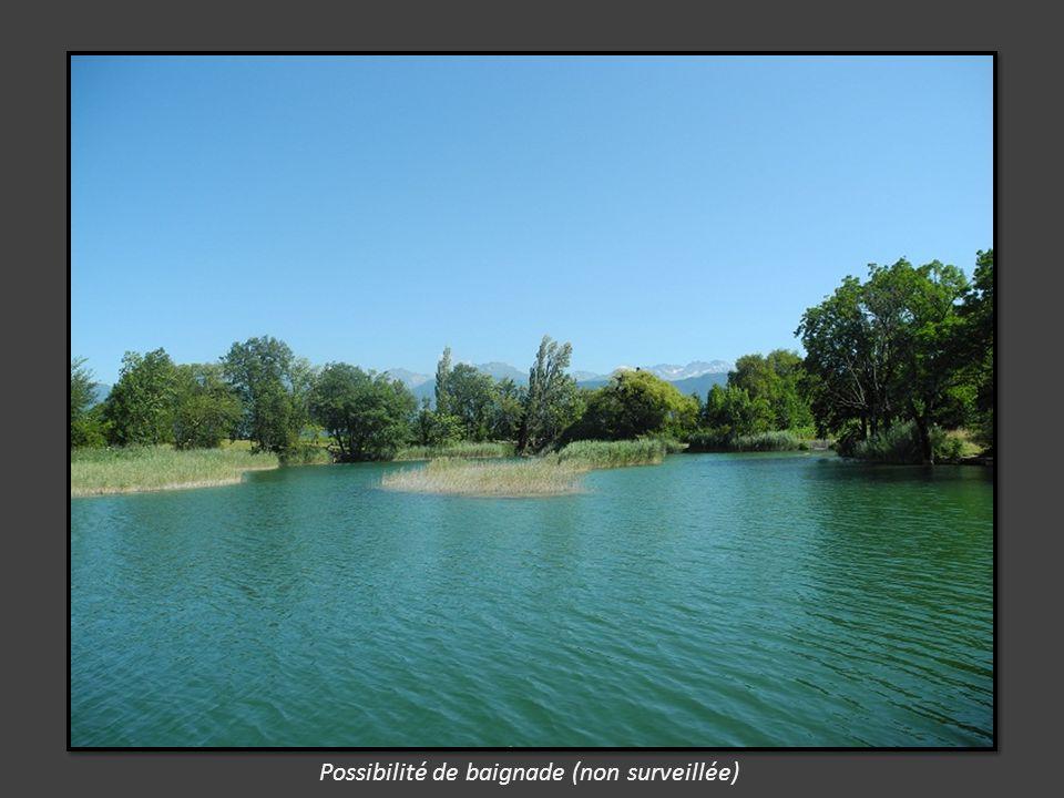 Le lac Saint André est niché sur le territoire de la localité Les Marches