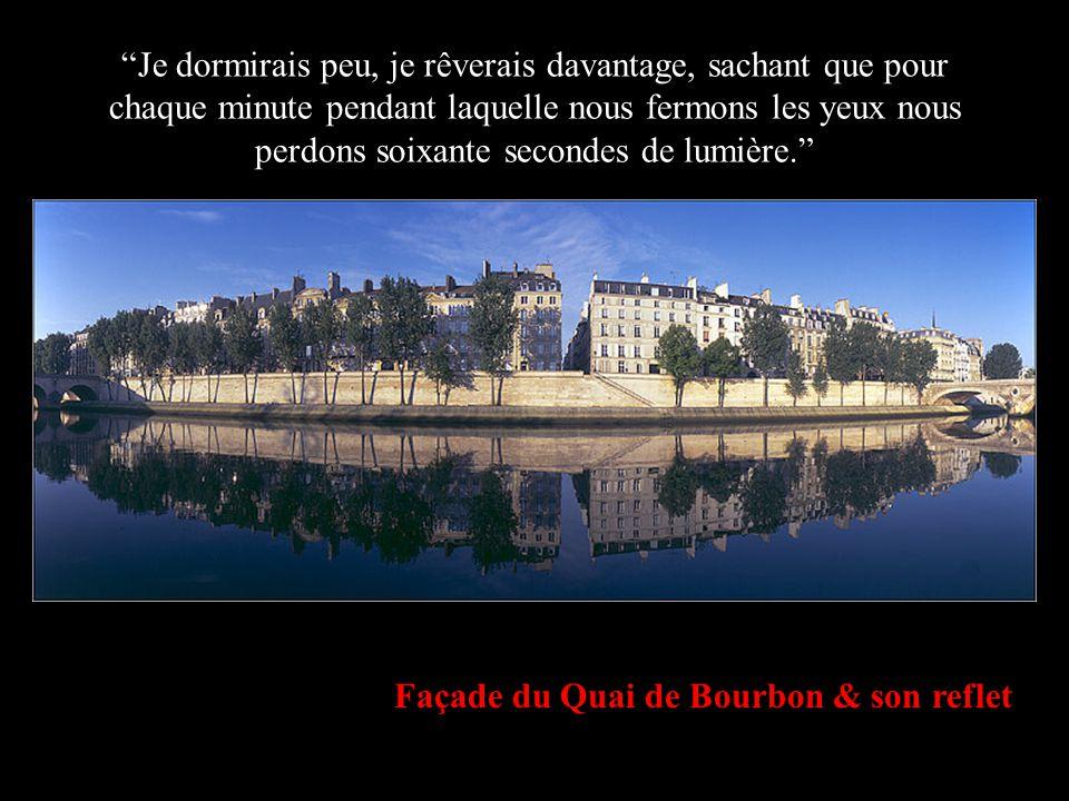 """Paris depuis le Quai du Louvre """"Je donnerais une valeur aux choses, non pas pour ce qu'elles représentent, mais plutôt pour ce qu'elles signifient."""""""