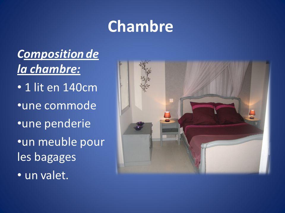 Chambre Composition de la chambre: 1 lit en 140cm une commode une penderie un meuble pour les bagages un valet.