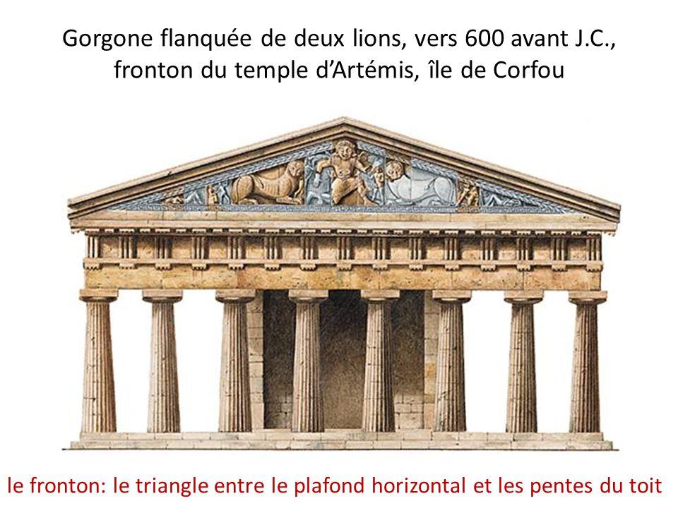 Gorgone flanquée de deux lions, vers 600 avant J.C., fronton du temple d'Artémis, île de Corfou le fronton: le triangle entre le plafond horizontal et