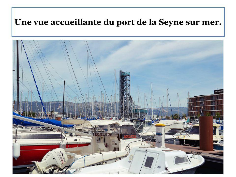 Une vue accueillante du port de la Seyne sur mer.