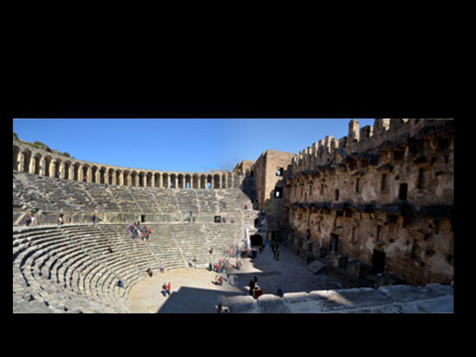 D'Aspendos à la Cappadoce enneigée ( petit parcours non exhaustif!) Le théâtre romain d'Aspendos (II ième siècle ap JC) est le plus important et le mieux conservé de toute l'Asie mineure.