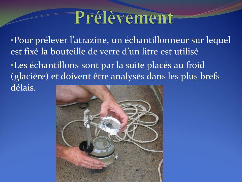 Pour prélever l'atrazine, un échantillonneur sur lequel est fixé la bouteille de verre d'un litre est utilisé Les échantillons sont par la suite placé