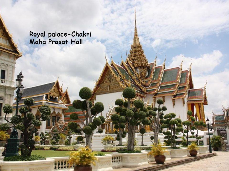 Royal palace-Chakri Maha Prasat Hall 4