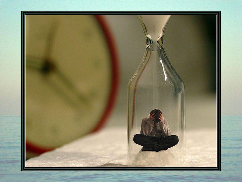 Le Temps, terrible moteur de l'existence qui nous guette constamment. On peut se réveiller un jour, et s'apercevoir alors qu'on a bâti toute sa vie su