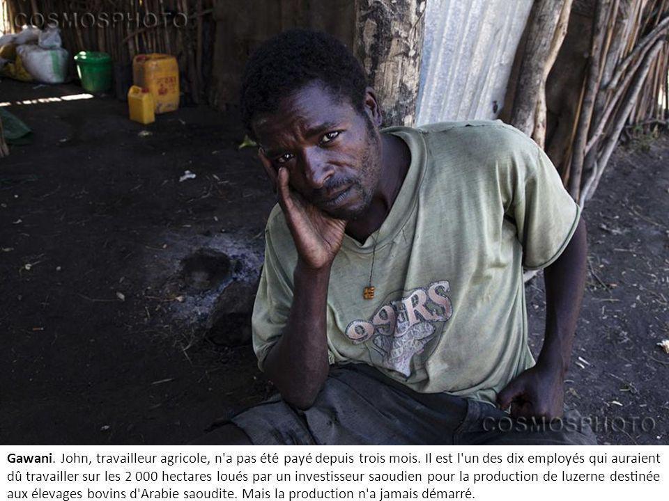 Gawani.John, travailleur agricole, n a pas été payé depuis trois mois.