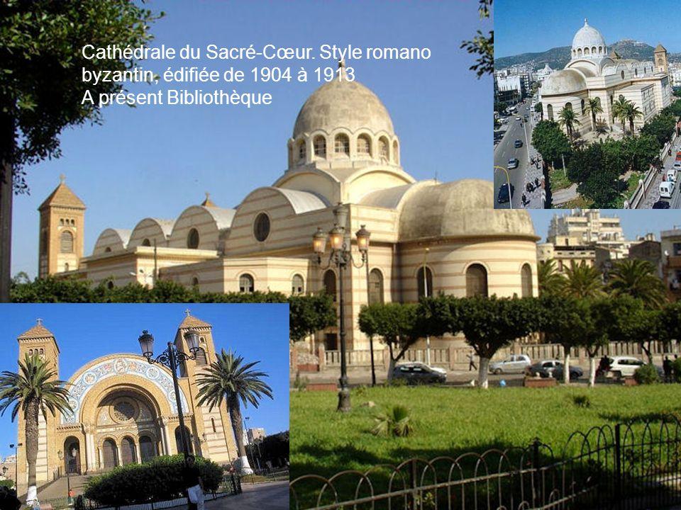Oran ( Au centre de la photo: la cathédrale) Les historiens maghrébins situent la fondation de la ville d'Oran à l'an 902-903 après J.C par des Andalo