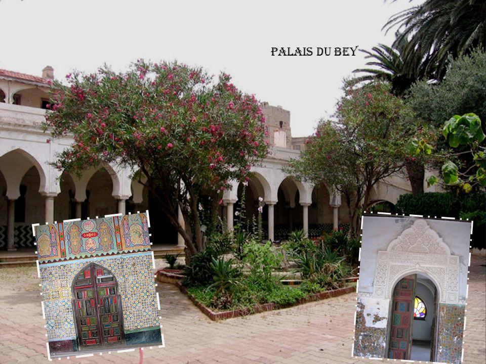 Maison du Bey Saurel Palais du Bey Classé Patrimoine National Pointe du Château -Neuf et pavillon de la Favorite