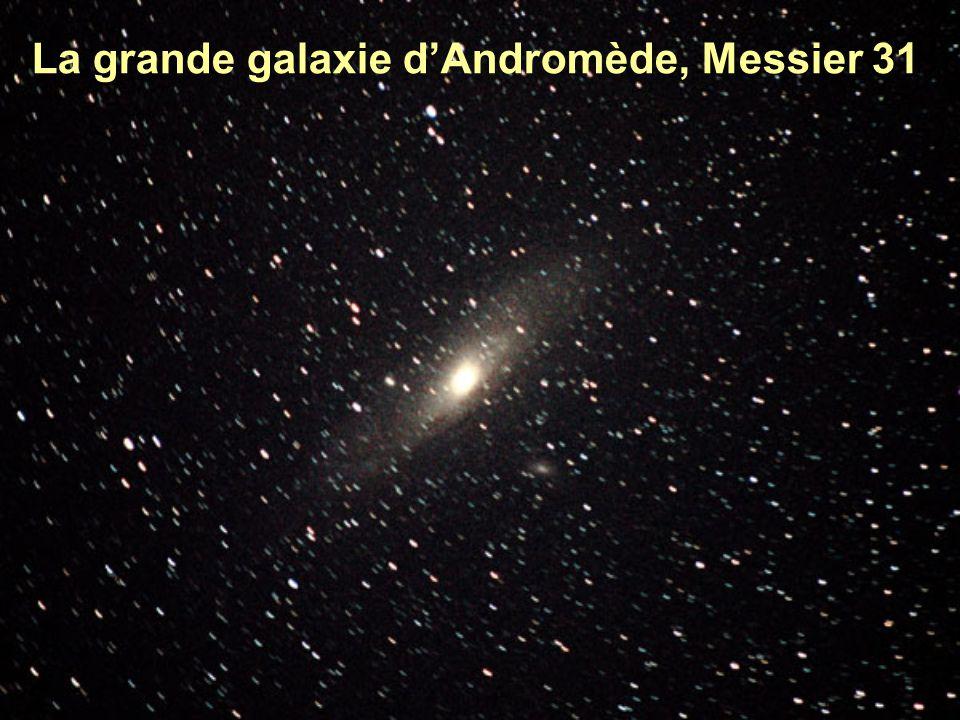 Notre galaxie, la Voie Lactée dans le ciel noir du Chili