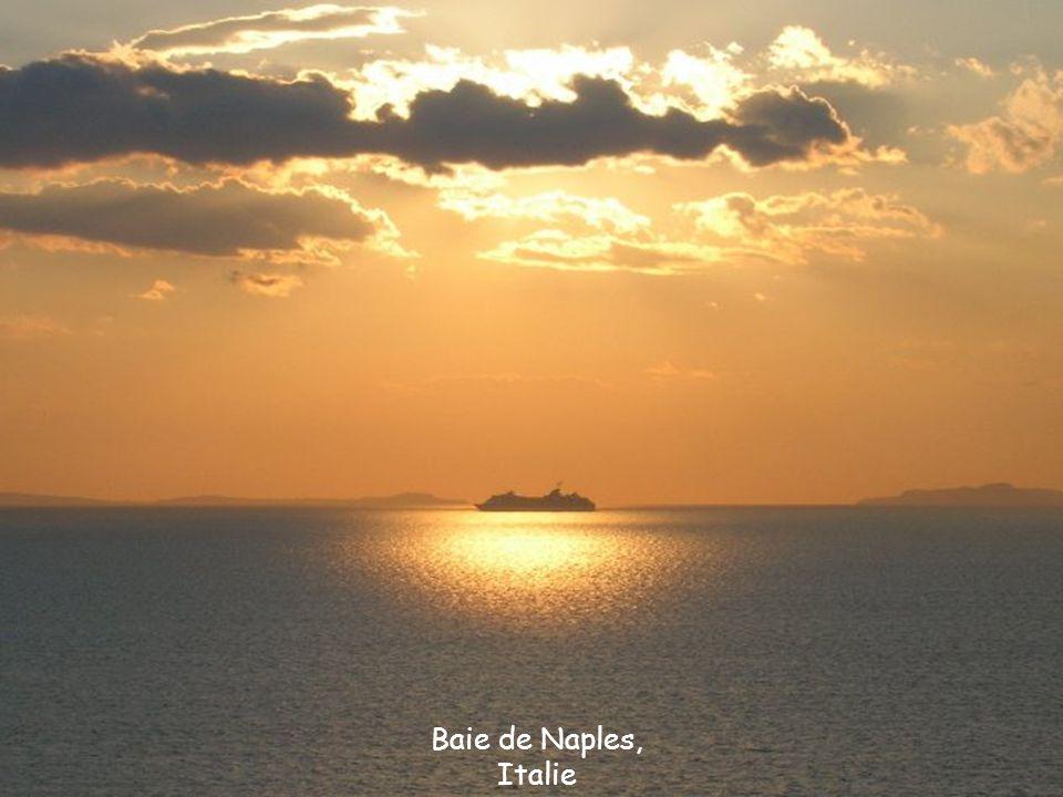 Baie de Naples, Italie