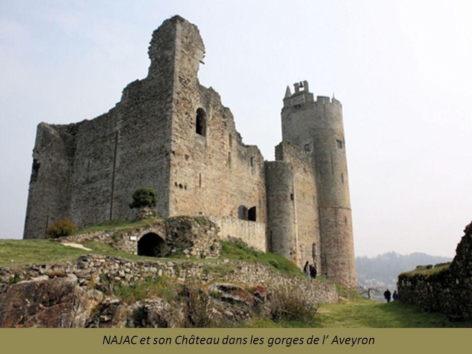 NAJAC et son Château dans les gorges de l' Aveyron