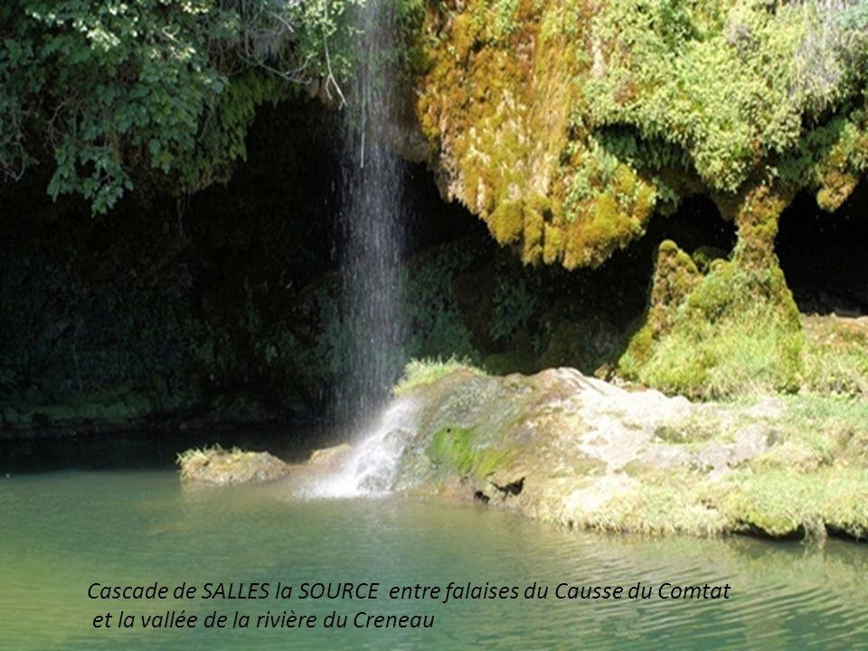 Cascade de SALLES la SOURCE entre falaises du Causse du Comtat et la vallée de la rivière du Creneau