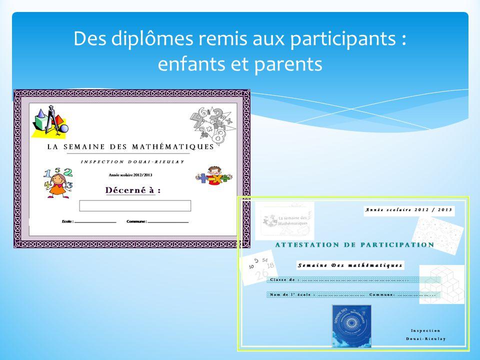 Des diplômes remis aux participants : enfants et parents