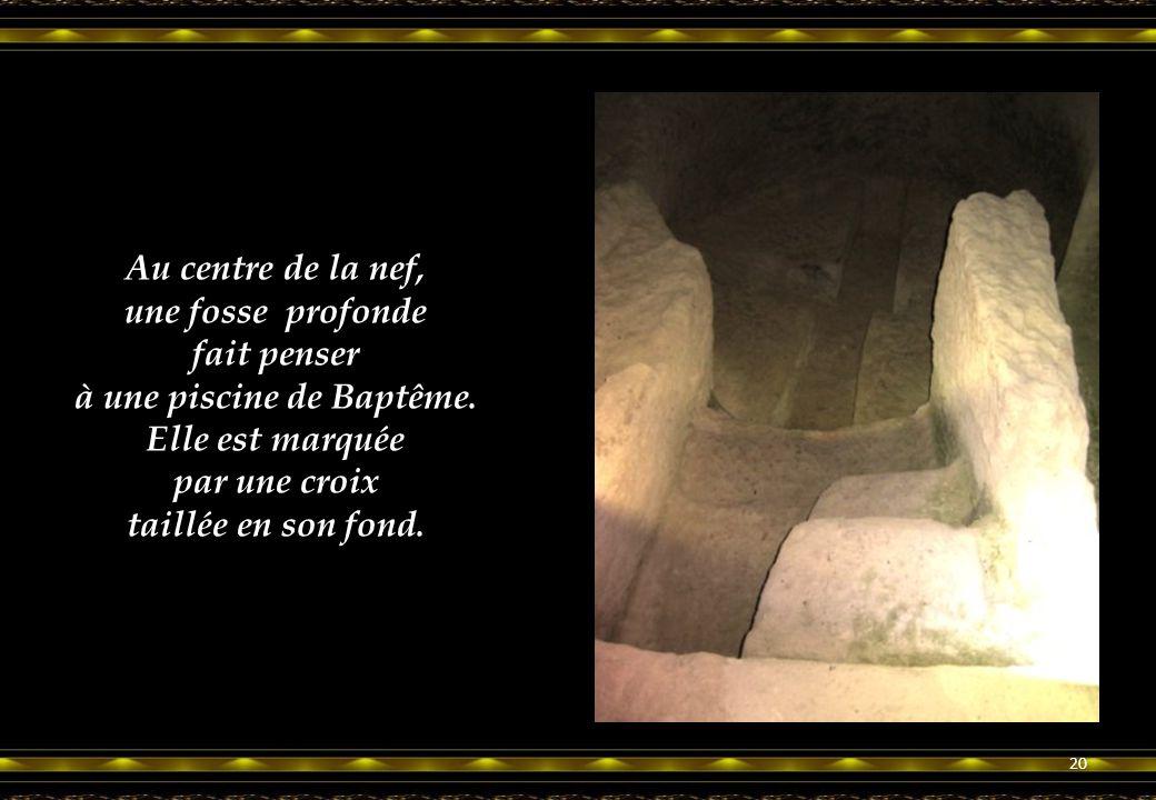De nombreux pèlerins passant par Aubeterre, sur les chemins de St Jacques de Compostelle se recueillirent à ses pieds. 19
